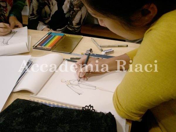 FASHION DESIGN LESSON