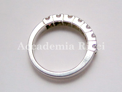 RING WITH 7 STONES